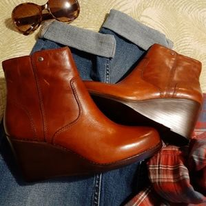 Frye wedge booties short boot ankle 6 NEW